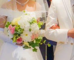 結婚式の招待状の返事はいつまでに出せばいい?返信はがきの書き方は?