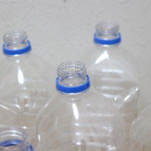 飲んだら捨てないで!空のペットボトルの賢い使い方13選